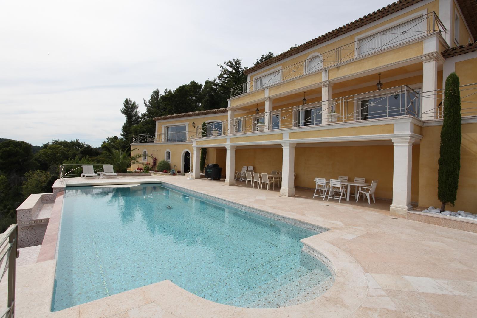 Villa Beton Armé